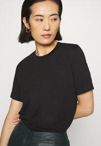 ARKET - T-shirt - bas - black dark - 3