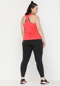 Nike Performance - ONE PLUS - Legginsy - black/white - 2
