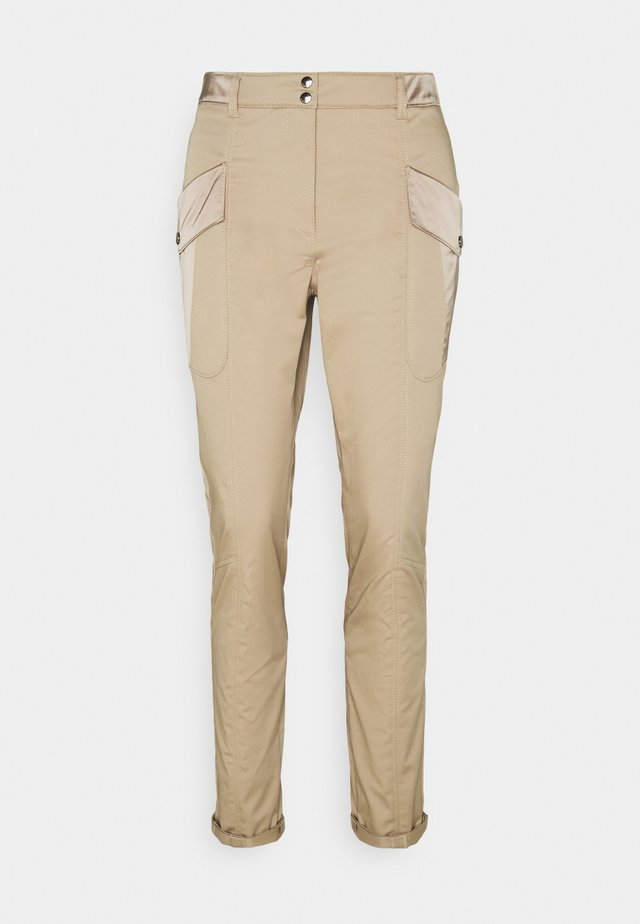 Pantalones - classic sand