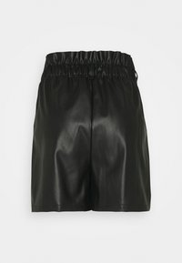 Vero Moda - VMSOLARIE COATED - Shorts - black - 1