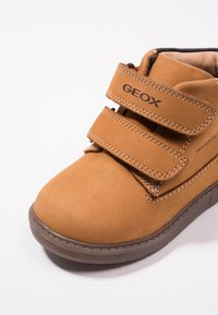 Geox - HYNDE BOY WPF - Winter boots - biscuit - 2