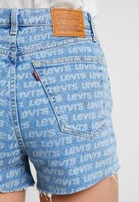 Levi's® - RIBCAGE  - Shorts vaqueros - levis all over - 5