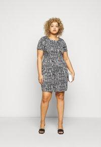 CAPSULE by Simply Be - PONTE POCKET SHIFT DRESS - Vapaa-ajan mekko - black - 1