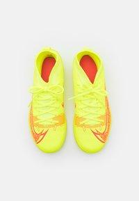 Nike Performance - MERCURIAL 8 CLUB IC UNISEX - Indoor football boots - volt/black/bright crimson - 3