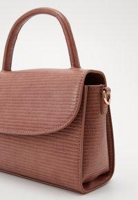 Pieces - PCEMMIA CROSS BODY KEY - Handbag - camellia rose - 4