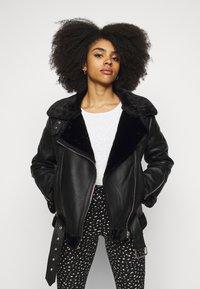 Topshop Petite - CASSY - Faux leather jacket - black - 0