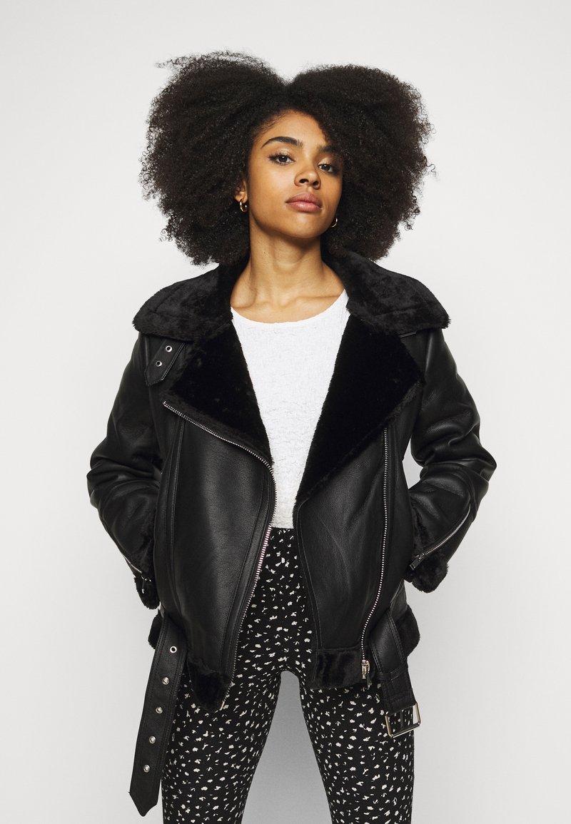 Topshop Petite - CASSY - Faux leather jacket - black