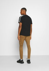 G-Star - SKINNY CHINO - Chinos - brown - 2