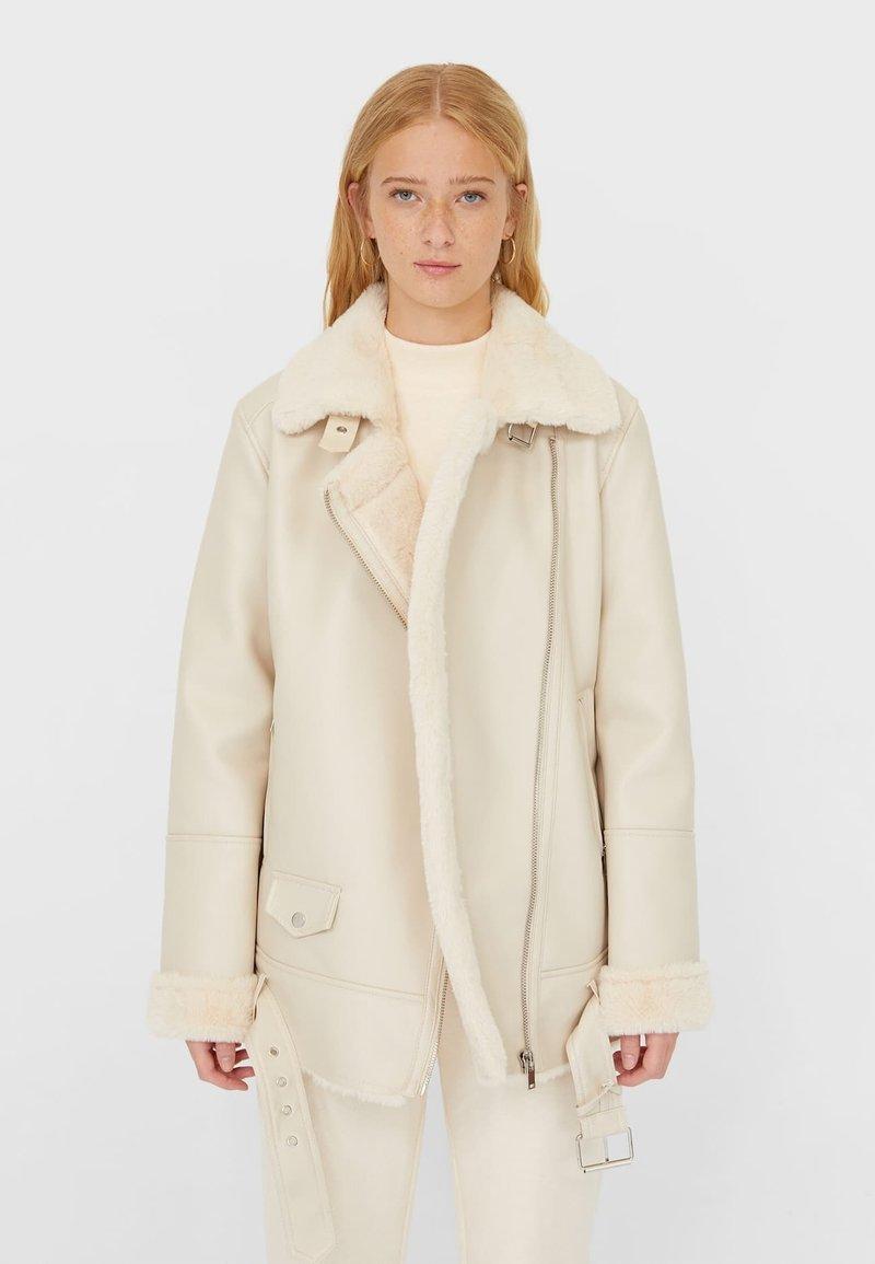 Stradivarius - DOUBLEFACE - Faux leather jacket - white