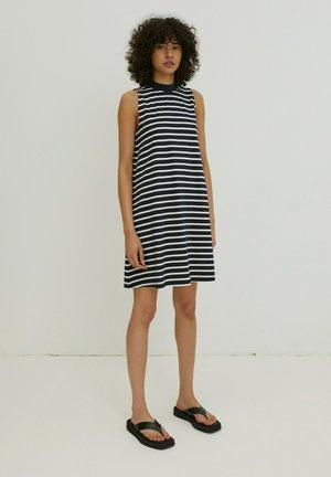 ALEANA - Jersey dress - weiß