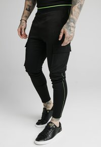 SIKSILK - ADAPT CRUSHED PANT - Cargo trousers - black - 0