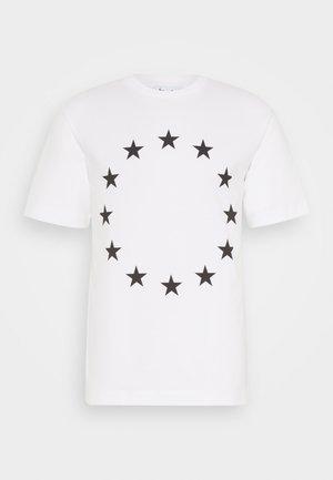 EUROPA UNISEX - Triko spotiskem - white