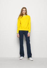 Polo Ralph Lauren - Mikina - university yellow - 1