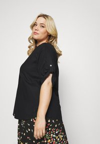 MY TRUE ME TOM TAILOR - BLOUSE WITH OPEN COLLAR - T-shirt basic - deep black - 3