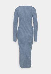 Missguided - FLUFFY MIDAXI DRESS - Strikket kjole - blue - 1