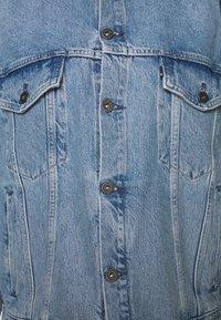 Levi's® Made & Crafted - LMC ALPENGLOW TRUCKER - Džínová bunda - blue - 2