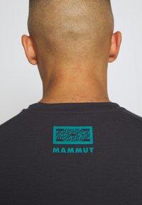 Mammut - MOUNTAIN MEN - T-shirt med print - phantom - 5