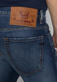 Diesel - D-VIKER - Straight leg jeans - 09a92 01 - 4
