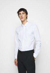 HUGO - Formal shirt - open white - 0
