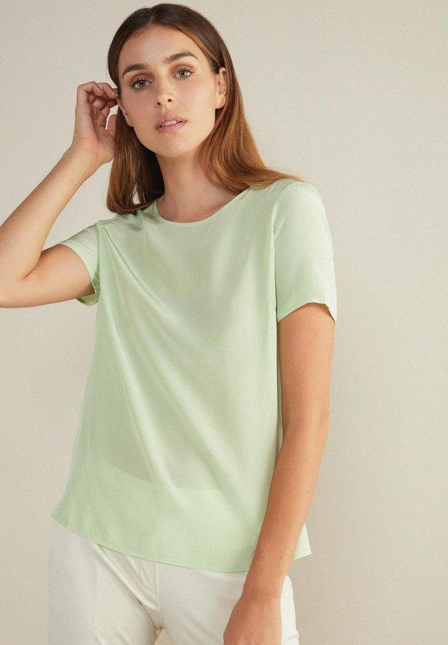 Basic T-shirt - grün - menta