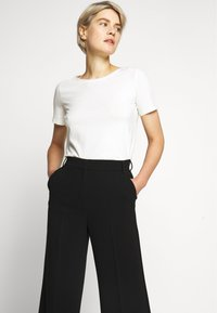 WEEKEND MaxMara - OMBRINA - Trousers - schwarz - 3