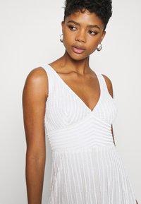 Lace & Beads - LORELEI - Společenské šaty - white - 4