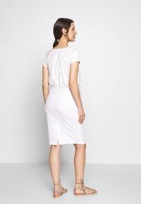 bellybutton - Denní šaty - gardenia - 2