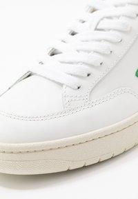 Veja - V-12 - Zapatillas - extra-white/emeraude/black - 5