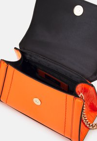 River Island - Käsilaukku - orange - 2