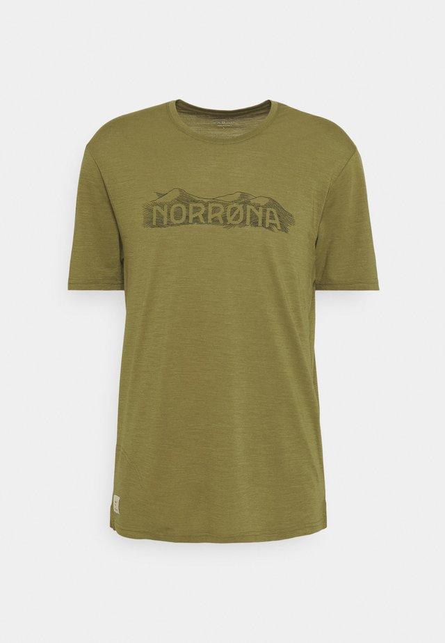 SVALBARD  - Print T-shirt - olive drab/caviar