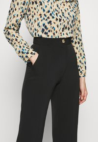 Progetto Quid - TROUSERS - Kalhoty - black - 4