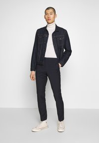 Calvin Klein Tailored - WINDOW CHECK SLIM PANTS - Kalhoty - blue - 1