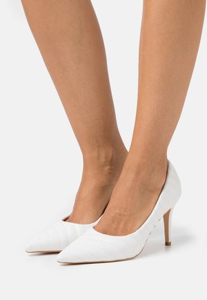QUILTED POINTY  - High heels - white