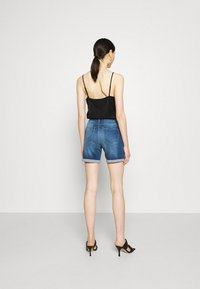 ONLY - ONLPAOLA LIFE - Denim shorts - medium blue denim - 2
