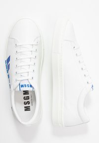 MSGM - DONNA WOMAN`S SHOES - Tenisky - white/blue - 3
