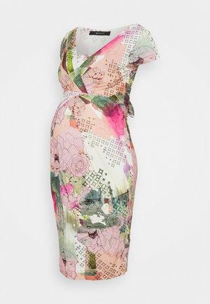 HOLLY NEW II - Etui-jurk - mottled light pink