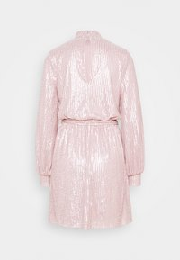 Nly by Nelly - HIGH NECK SEQUIN DRESS - Cocktailkjole - light pink - 7