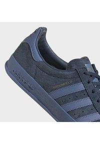adidas Originals - Trainers - crenav/creblu/goldmt - 7
