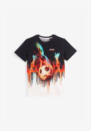 DIGITAL FOOTBALL FLAMES  - Print T-shirt - black
