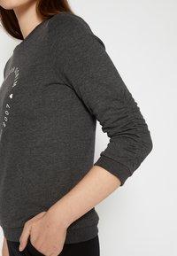 TOM TAILOR DENIM - LOGO PRINT - Sweatshirt - shale grey melange - 4