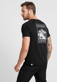 The North Face - TEE - T-shirt med print - black - 2
