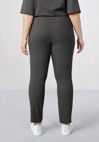 Atelier Strehlhof - Leggings - Trousers - grey - 1