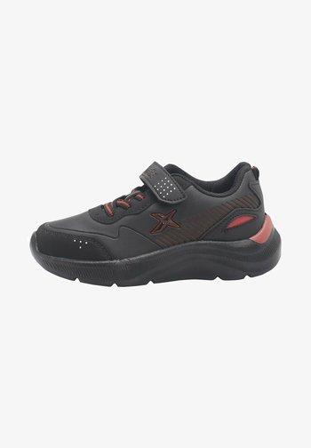 RUNNING ROARS - Trainers - black