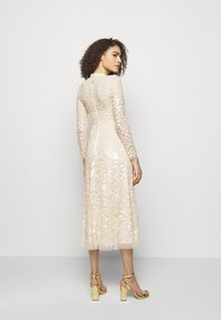 Needle & Thread - AURELIA LONG SLEEVE BALLERINA DRESS - Occasion wear - champagne - 2