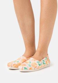 TOMS - ALPARGATA VEGAN - Nazouvací boty - pink - 0