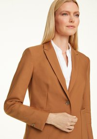 comma - MIT STITCHINGS - Blazer - chocolate camel - 3