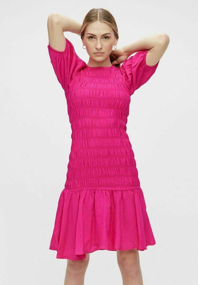 Vestido informal - magenta