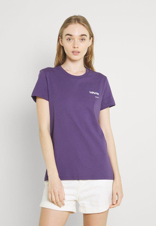 DAY TEE - Print T-shirt - loganberry