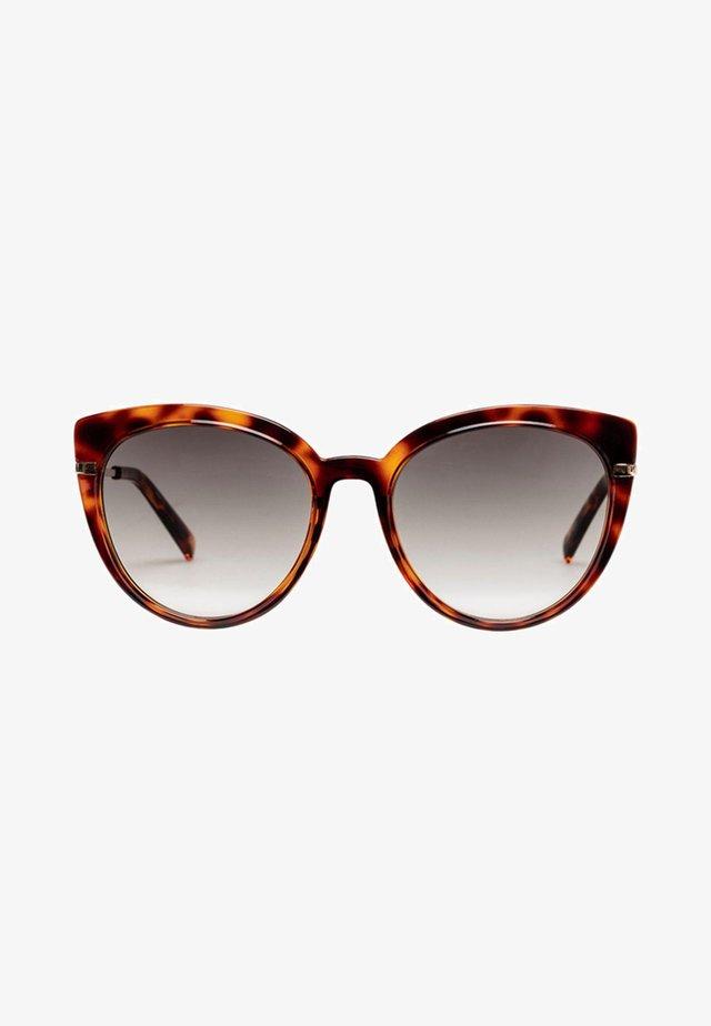 PROMISCUOUS - Sunglasses - tort