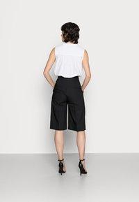 InWear - ZELLAIW BERMUDA - Shorts - black - 2